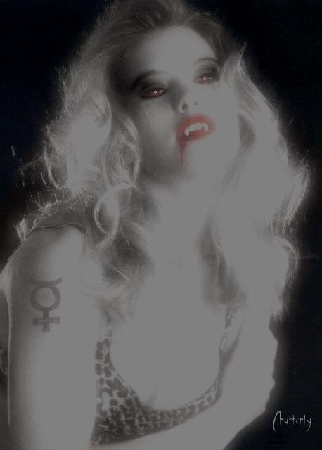 Vampira - by Chatterly