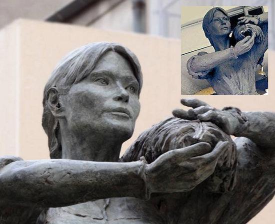 Carla Bruni - la statua delle polemiche