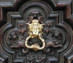 Torino - portone del Diavolo