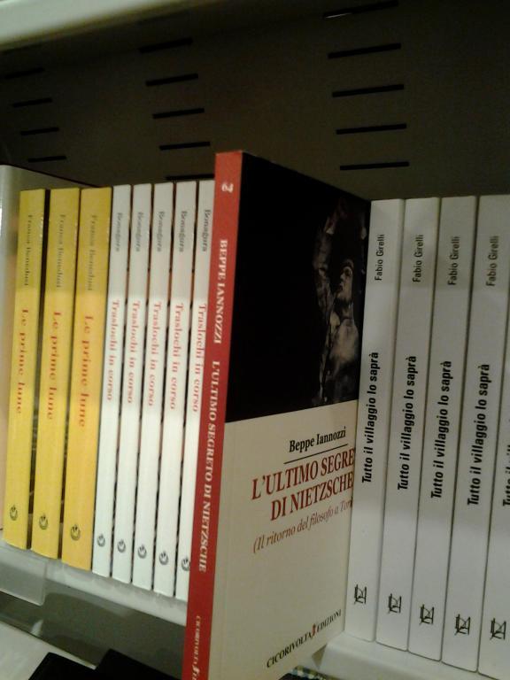 L'ultimo segreto di Nietzsche - Beppe Iannozzi - La Feltrinelli Express Stazione Porta Nuova - 10123 Torino TO