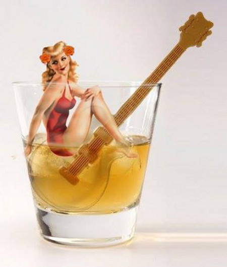 Pin-Up and Whisky by Chatterly