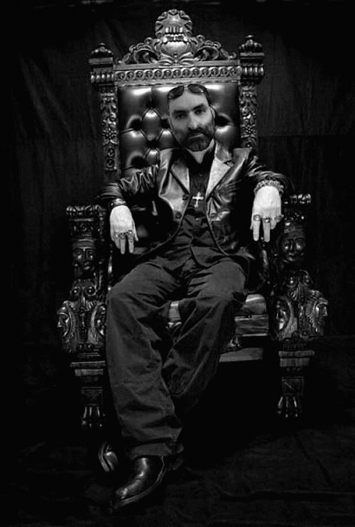 Iannozzi Giuseppe sul Trono del Re