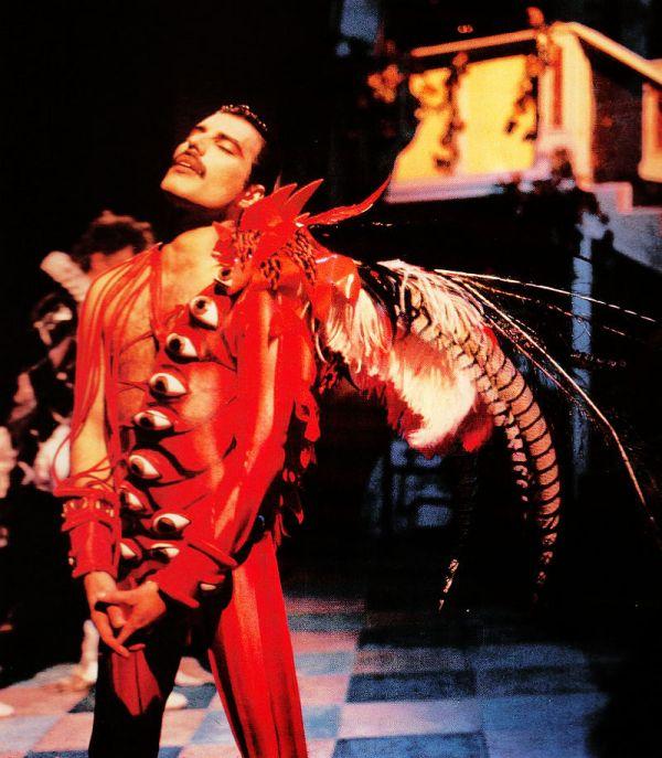 Freddie Mercury - It's a hard life