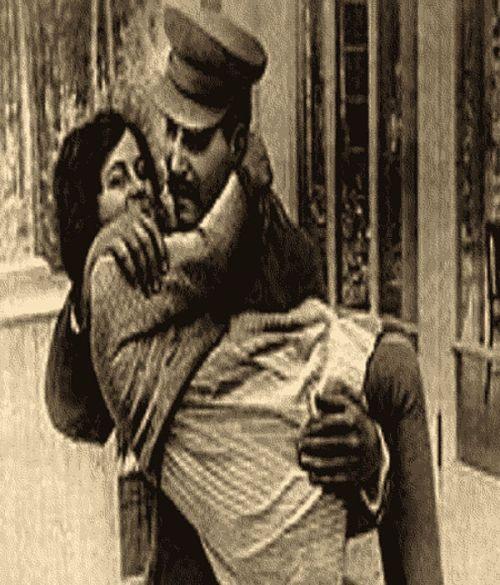 Stalin lo stupratore