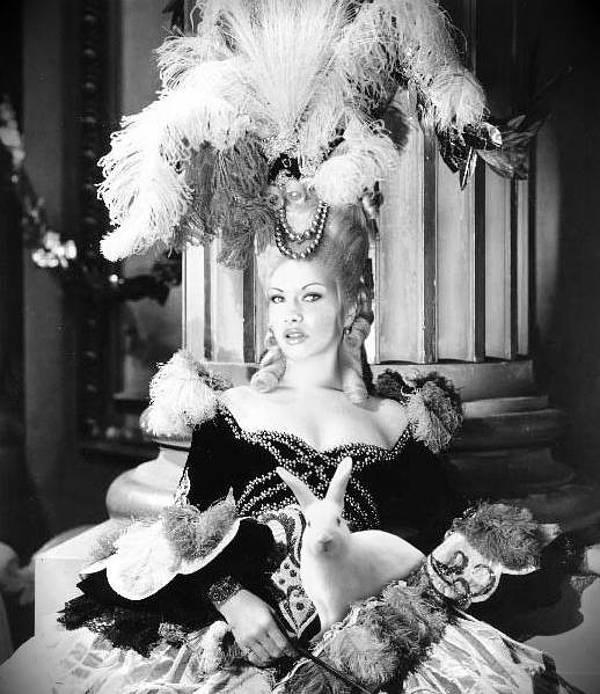 Mademoiselle V. Chatterly Rosenkreutz