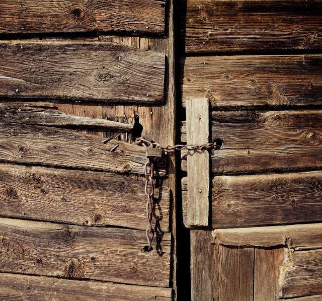porta chiusa