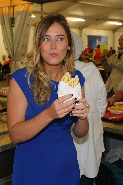 Maria Elena Boschi mangia il Tordo Matto