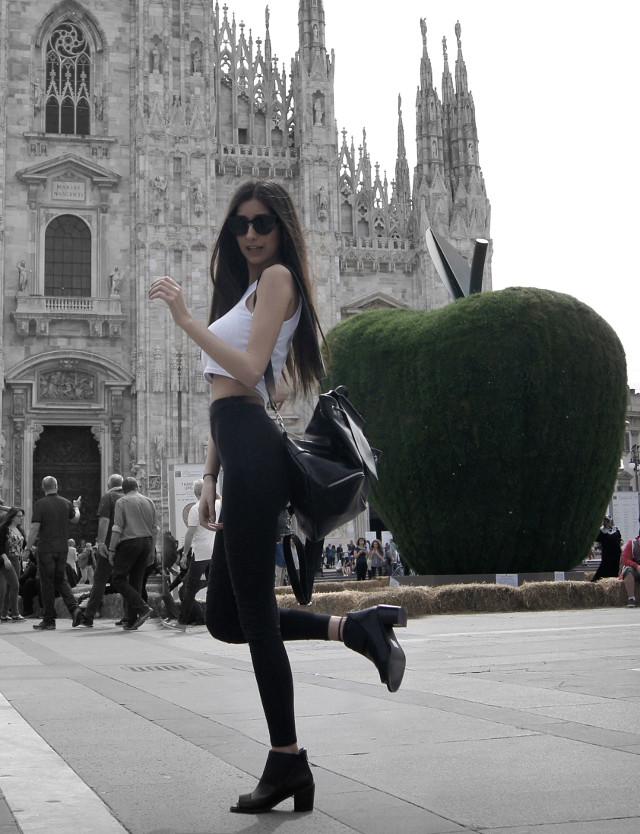 ragazza a Milano