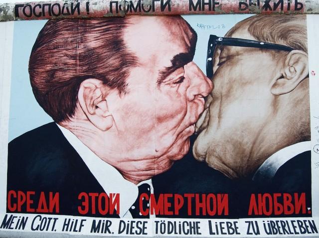 bacio Erich Honecker e-Leonid-Brezenev