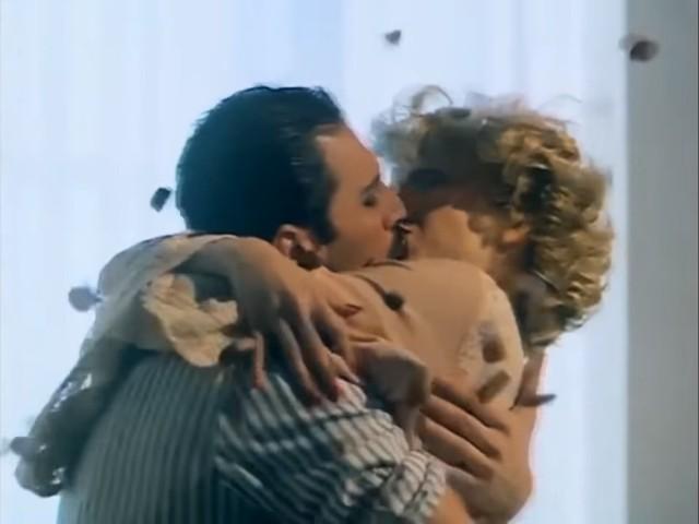 Freddie Mercury - kiss