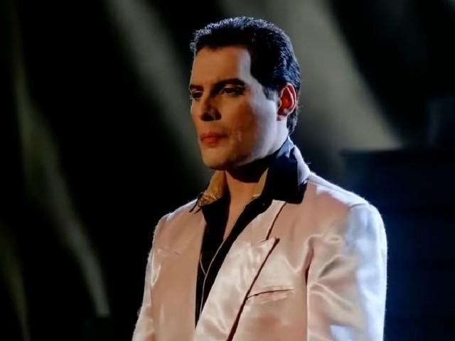 Freddie Mercury - Pretender